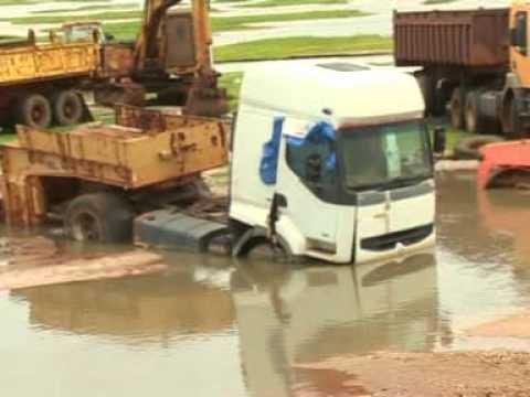 Innondation dans le departement de mbour la route nationale N°1 coupée a hauteur de Thiadiaye.