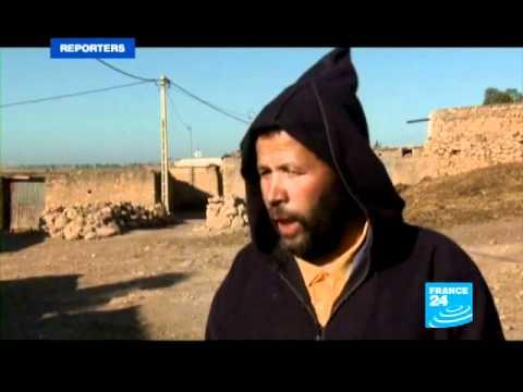 FRANCE 24 Reporters : Espagne : le croque-mort des clandestins
